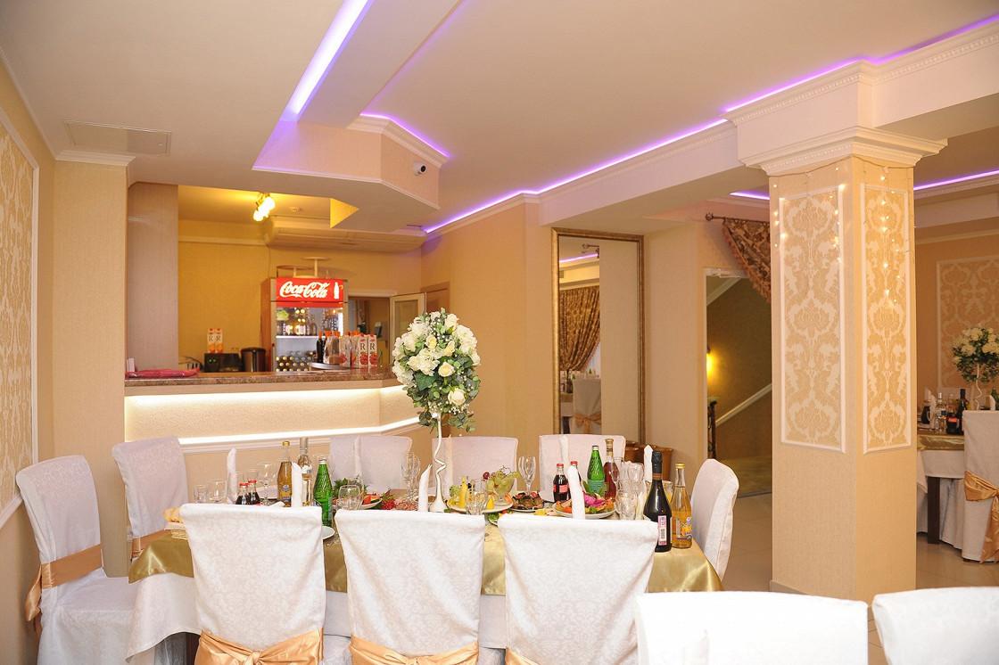 Ресторан 12 стульев - фотография 9