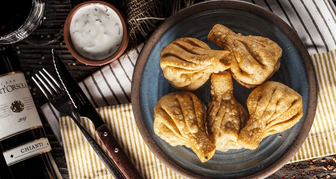 Ресторан Джонджоли - фотография 6 - Жареные хинкали (5 шт)