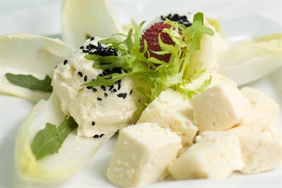 Ресторан Жажда вкуса - фотография 12 - Сырное ассорти