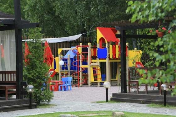 Ресторан Пироговский дворик - фотография 5 - Детская площадка