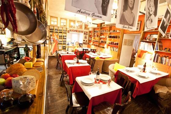 Ресторан Сестры Гримм - фотография 14