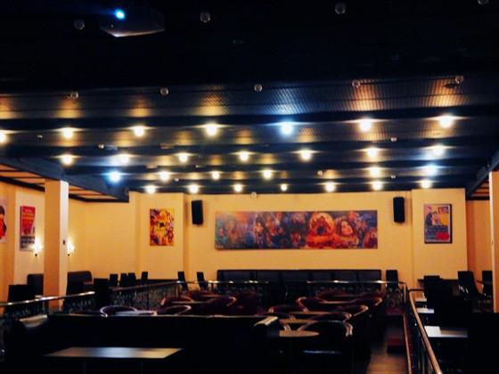 Ресторан Орленок - фотография 4 - Кино-кафе ОРЛЁНОК