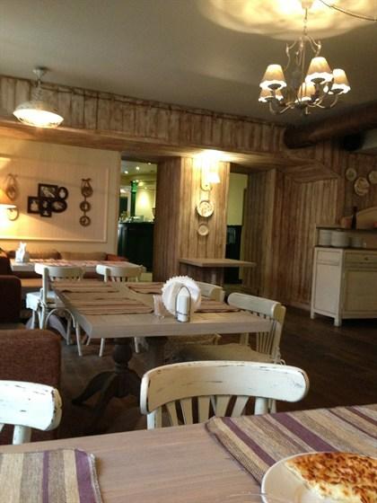 Ресторан Южное - фотография 4 - Зал для некурящих:)