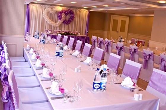 Ресторан Sun Flower-парк - фотография 10 - Банкетный зал для свадьбы в отеле Катерина Парк на Пражской