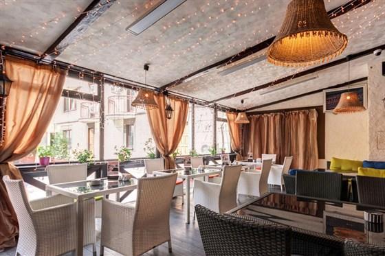 Ресторан Пив & Ко - фотография 8 - Зимняя веранда в ресторане Пив&Ко.