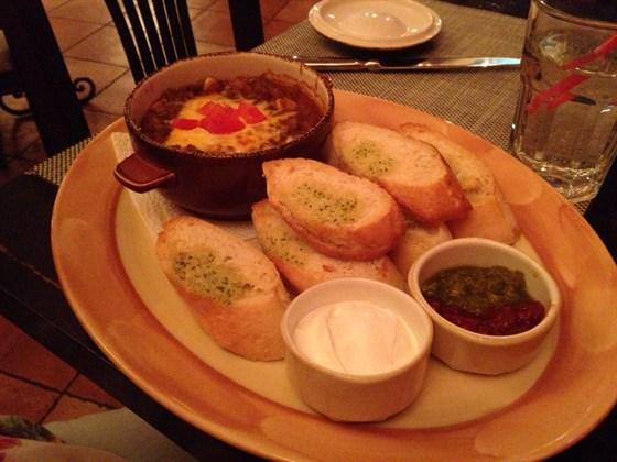 Ресторан Pancho Villa - фотография 1 - Чили кон карне