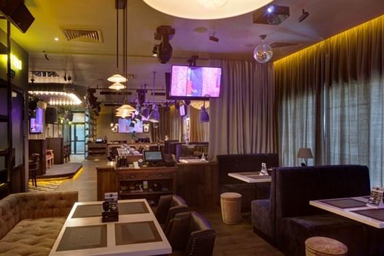 Ресторан Bar-in - фотография 6 - Основной зал BAR-IN