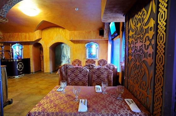 Ресторан Мархаба - фотография 2 - Большой зал