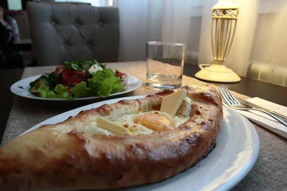 Ресторан Кафе с акцентом - фотография 1 - Для настоящих ценителей вкусной кухни с  легким грузинским акцентом.