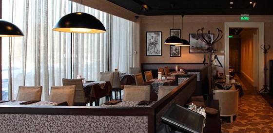Ресторан Mascotte - фотография 5 - Интерьер кафе