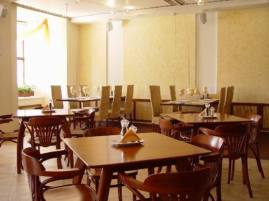 Ресторан Золотая вилка - фотография 1