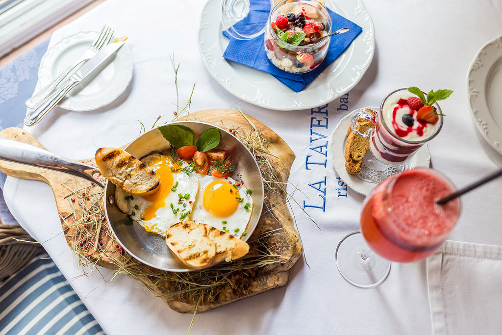 Ресторан La taverna - фотография 22