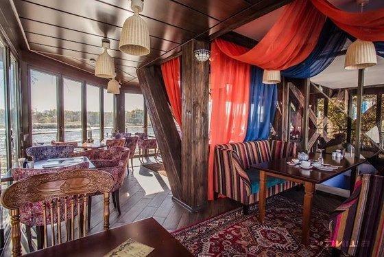 Ресторан Изюм - фотография 1