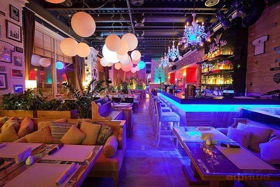 Ресторан Follow Me Café - фотография 8