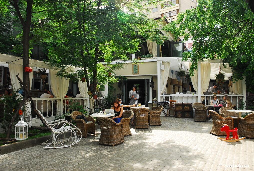 Ресторан Эларджи - фотография 8