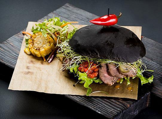 Ресторан Black Burger - фотография 3