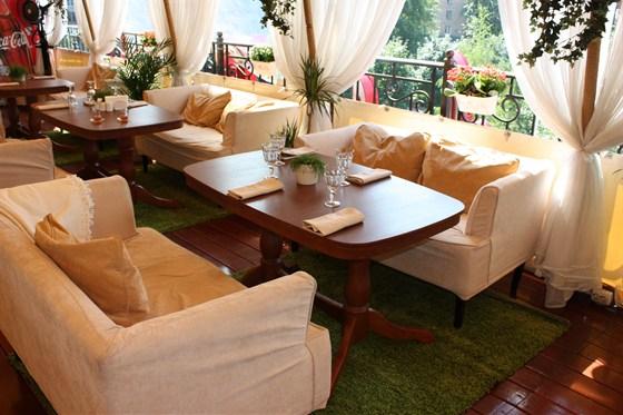 Ресторан Karamel Lounge - фотография 1 - Летняя веранда