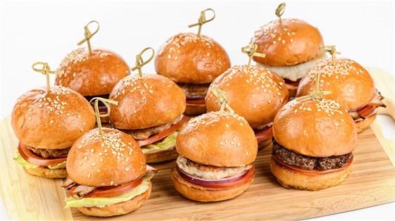 Ресторан Progress Bar - фотография 8 - мини-бургеры с рубленной котлетой из фермерского мяса