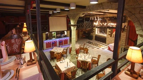 Ресторан Красная мельница - фотография 7 - Балкон клубного зала