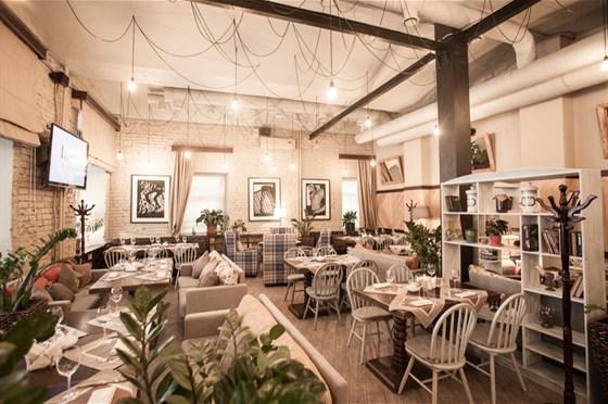 Ресторан I Want Cafe - фотография 4 - Каминный зал I WANT cafe