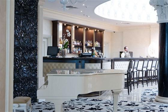 Ресторан Piano Bar - фотография 6 - Пиано Бар в гостинице Милан.