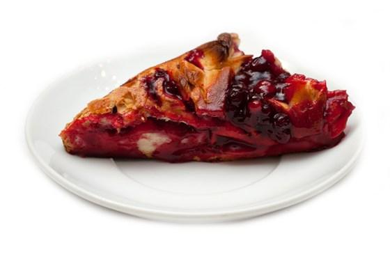 Ресторан Штолле - фотография 4 - Пирог с брусникой