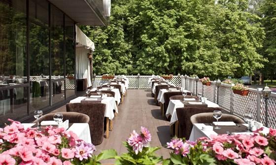 Ресторан Де Марко - фотография 7 - Летняя веранда.