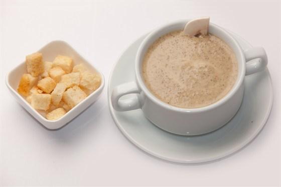 Ресторан Кафетеррия - фотография 10 - Крем-суп грибной