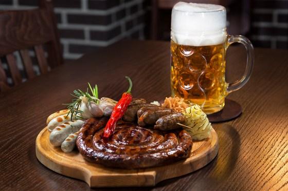 Ресторан Ганс и Марта - фотография 8 - Немецкая, Европейская кухня!