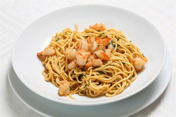 Ресторан Accenti - фотография 17 - Домашняя паста с креветками