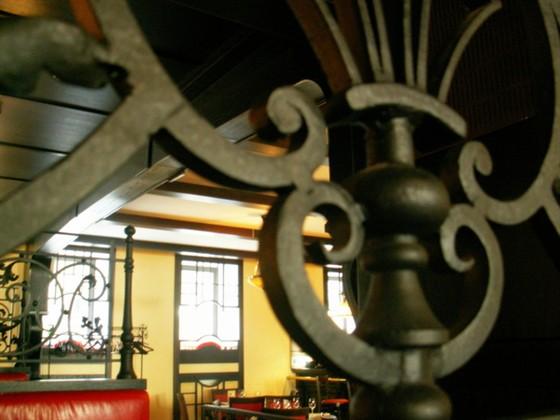 Ресторан Semplice - фотография 7 - Орнамент на диванах