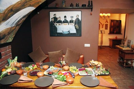 Ресторан Ностальгия - фотография 1 - Грузинский зал, грузинская кухня