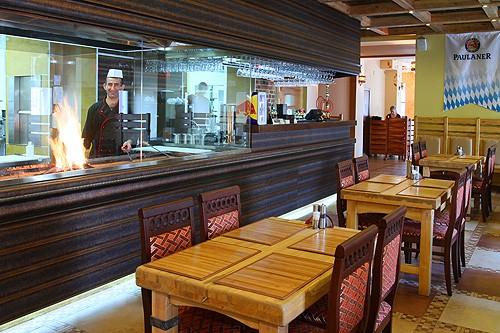 Ресторан Экспромт - фотография 3 - Мангал и бар