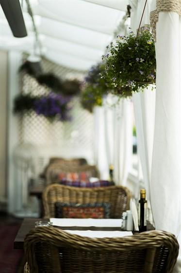 Ресторан Sorbetto - фотография 30 - Нижняя веранда.