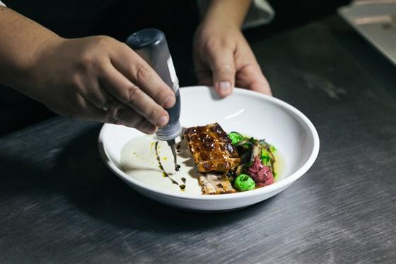 Ресторан Dozari - фотография 9 - Рустам Тангиров создает новое меню в DoZari