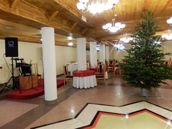 Ресторан Ламазо - фотография 3 - Главный зал
