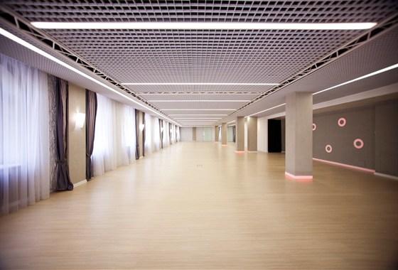 Ресторан Восемь колонн - фотография 3 - 2 этаж, большой зал