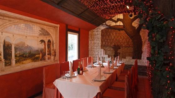 Ресторан Красная мельница - фотография 5 - Веранда клубного зала