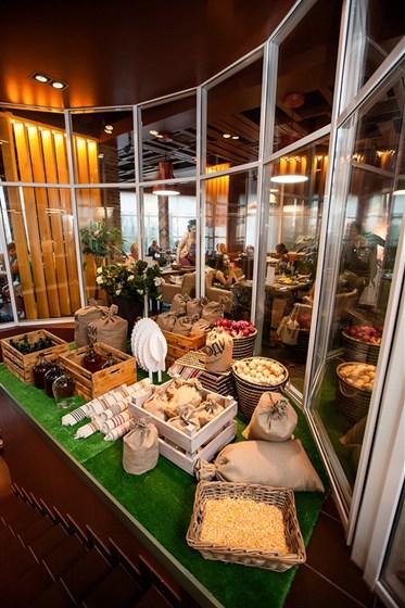 Ресторан Свои люди - фотография 6