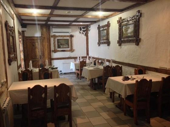 Ресторан Антик Яр - фотография 3 - Вип зал