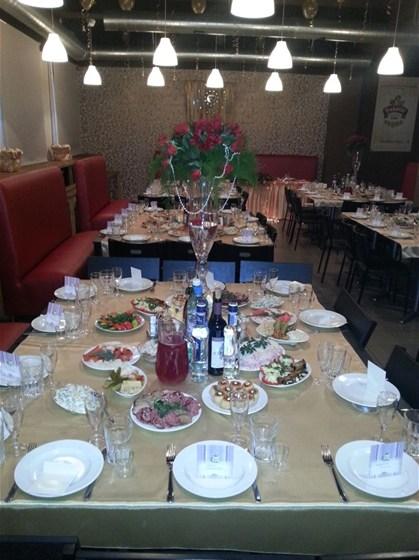 Ресторан 2.0 - фотография 5 - Вариант зала свадебного банкета на 80 персон