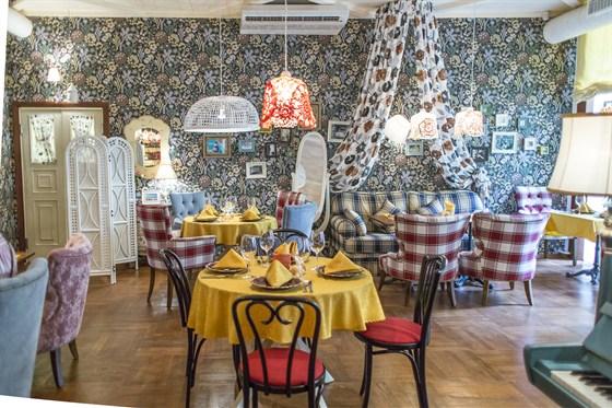 Ресторан Любовь - фотография 5 - Малый зал