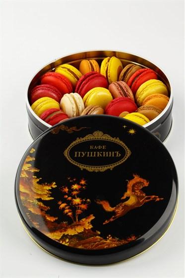 """Ресторан Кондитерская «Пушкин» - фотография 20 - Коробка пти-гато """"макарони"""" разных вкусов."""