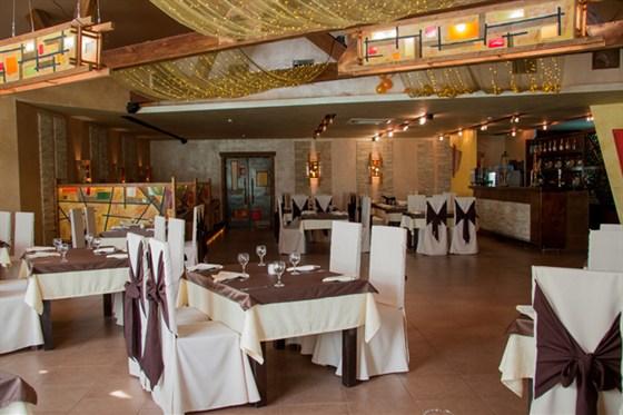 Ресторан Пироговский дворик - фотография 11 - Большой зал