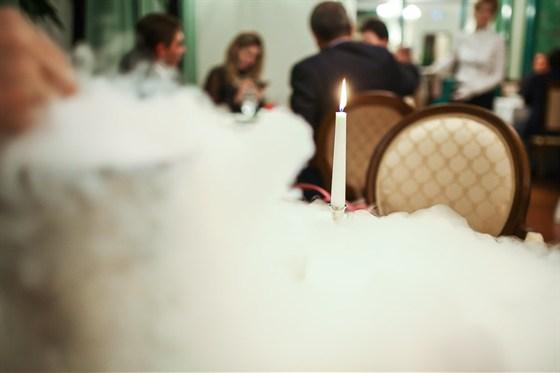 Ресторан Гармошка - фотография 2 - Жидкий азот для того, чтобы освежить вкусовые рецепторы перед подачей основного блюда.