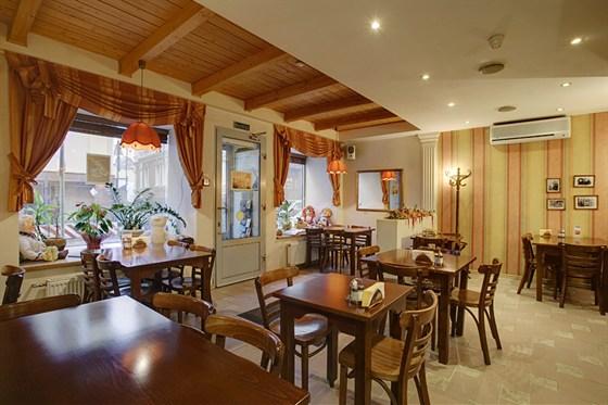 Ресторан Абажур - фотография 1 - Абажур. Домашнее кафе (м.Цветной бульвар)