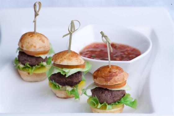 Ресторан Sumosan - фотография 17 - Минибургеры с мраморным мясом