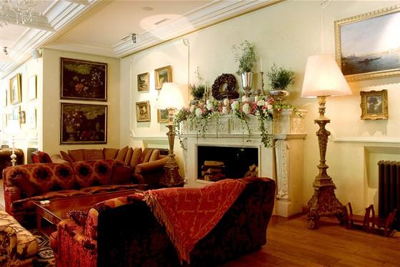 Ресторан Подмосковные вечера - фотография 2 - Основной зал