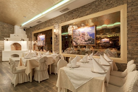 Ресторан Абрикос - фотография 3 - банкетный зал на 40 персон