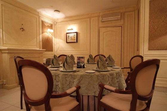 Ресторан Старая усадьба - фотография 8 - Каминный зал